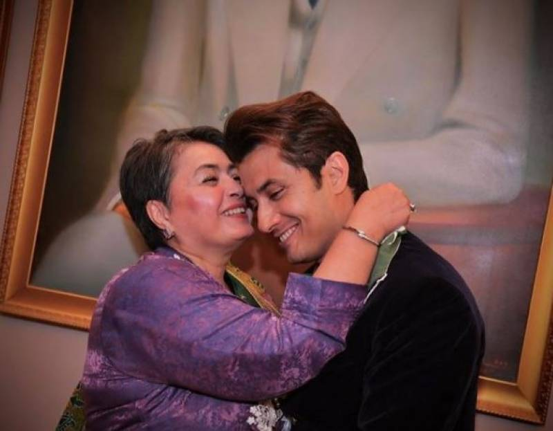 Video goes viral as Ali Zafar gives his mother a foot massage