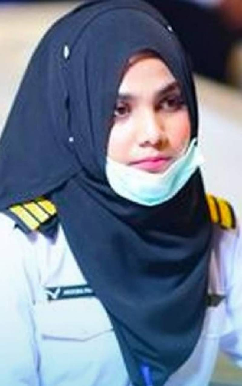 Arooba Faridi becomes Pakistan's youngest aerospace engineer