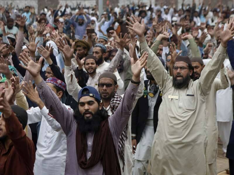 Over 100 clerics of banned TLP placed on fourth schedule
