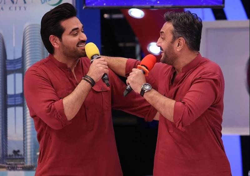 Video of Humayun Saeed and Adnan Siddiqui singing together goes viral