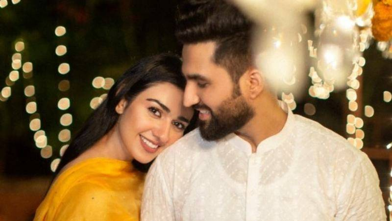 Sarah Khan drops big pregnancy hint in latest Instagram post
