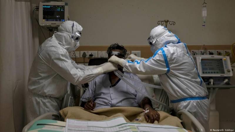 Oxygen supply 'under stress' as coronavirus intensifies in Pakistan