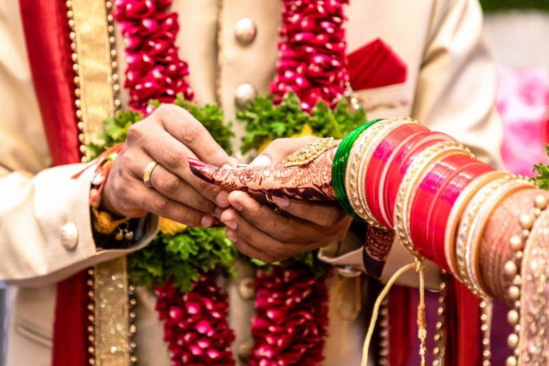 'Things we do for love' – Indian man marries wife to her boyfriend (VIDEO)