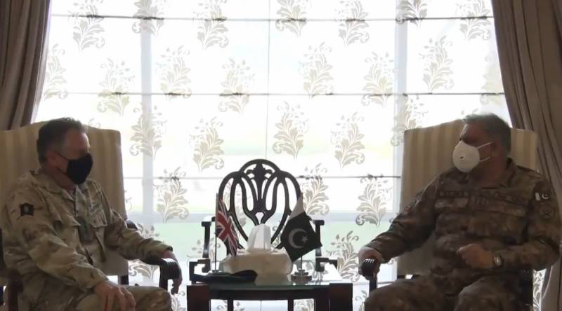 UK Army CDS Nicholas Patrick meets COAS Bajwa, lauds Pakistan's efforts for regional peace (VIDEO)