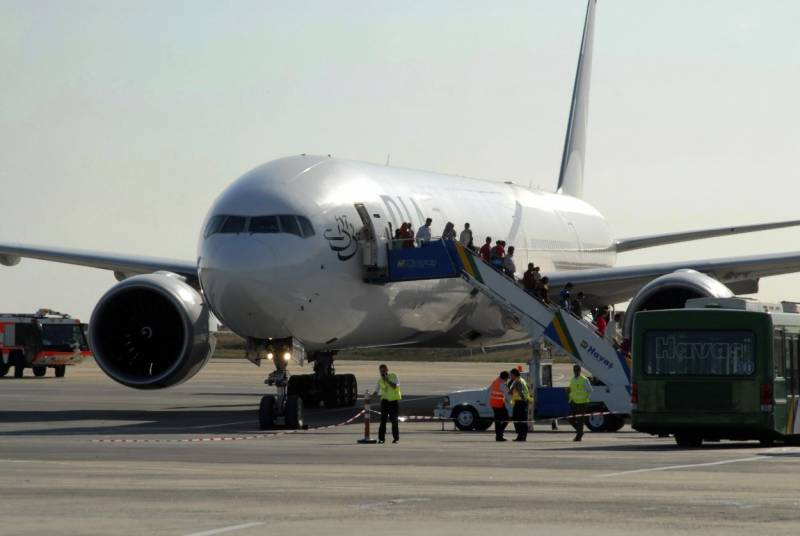 Kuwait suspends entry for travellers from Pakistan, other countries to stem Covid spread