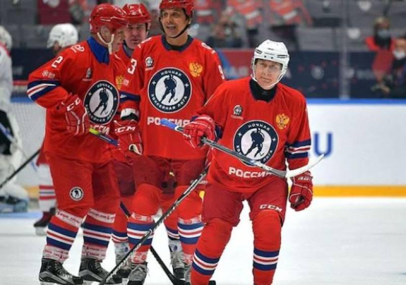 Watch: Russian President Putin smashes 8 goals in ice hockey match