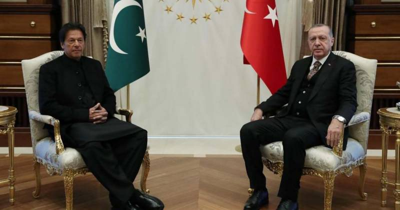 PM Imran, Turkey's Erdogan exchange views on Israel's attack on Al-Aqsa Mosque, Gaza
