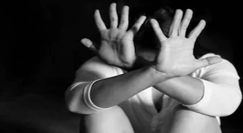 5 men 'gang-rape' 16-year-old boy in DI. Khan, upload video on social media