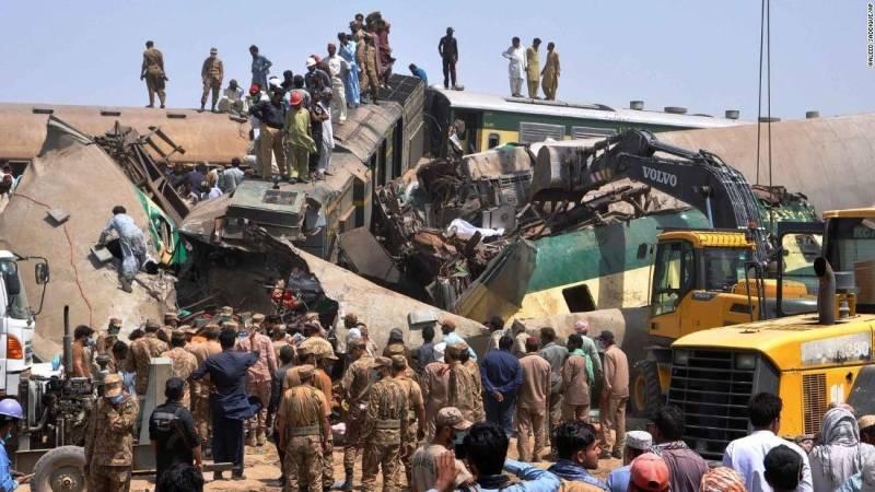 India condoles with Pakistan over Ghotki train crash