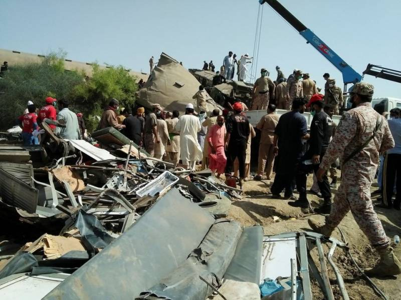 Ghotki train crash death toll rises to 62