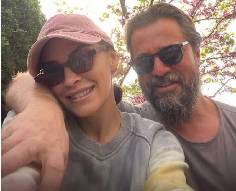 Engin Altan aka Ertugrul's selfie with wife wins the internet