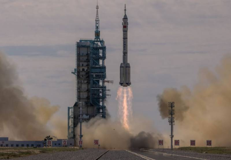 'Shenzhou-12' – China launches three astronauts into orbit to build new space station