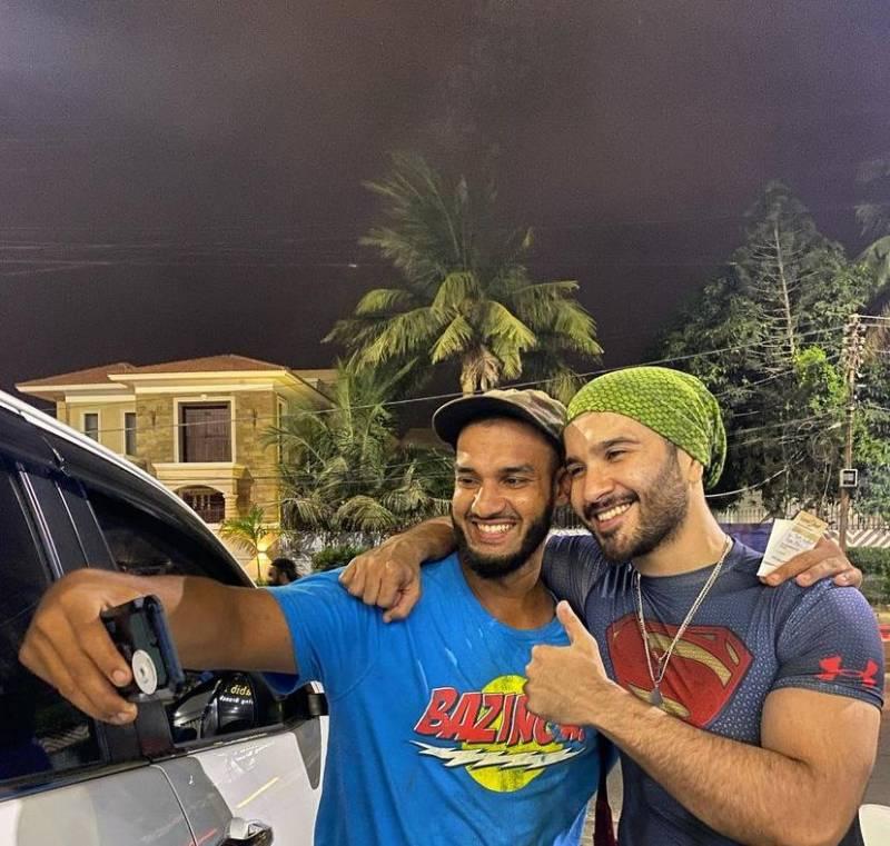 Feroze Khan all smiles as he poses with viral aeronautical engineer