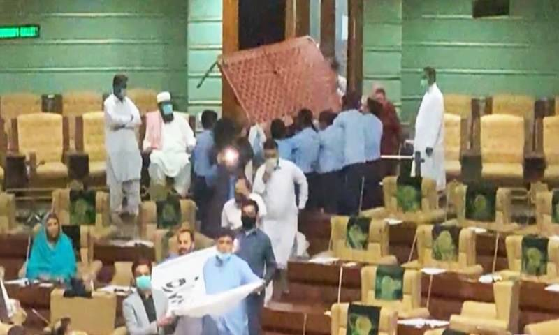 Speaker bans entry of eight PTI MPA's for bringing charpoy in Sindh Assembly