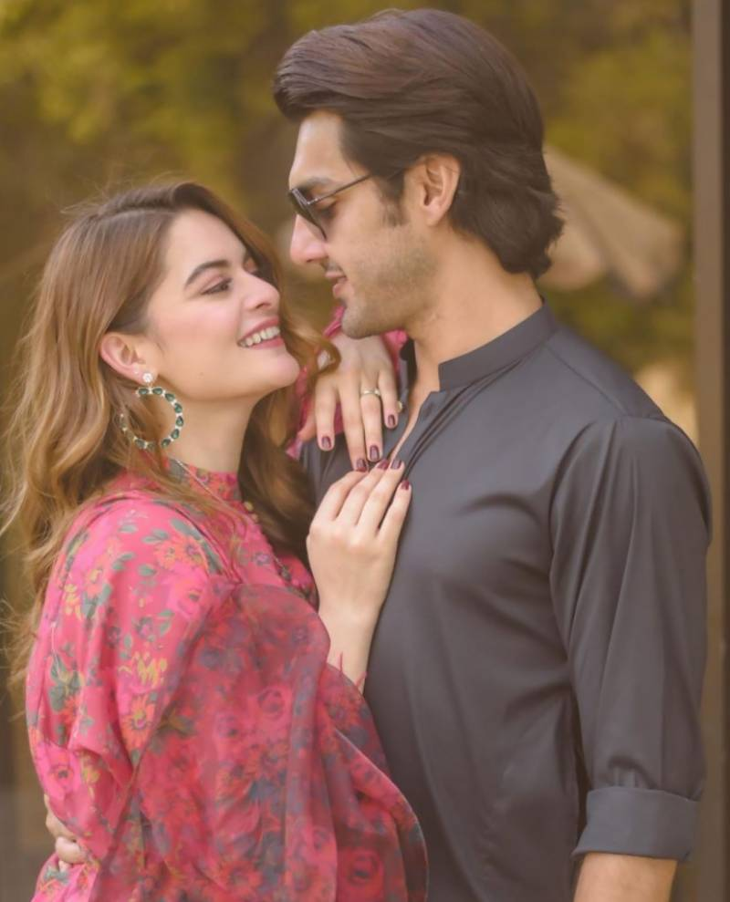 Minal Khan sings for fiancé Ahsan