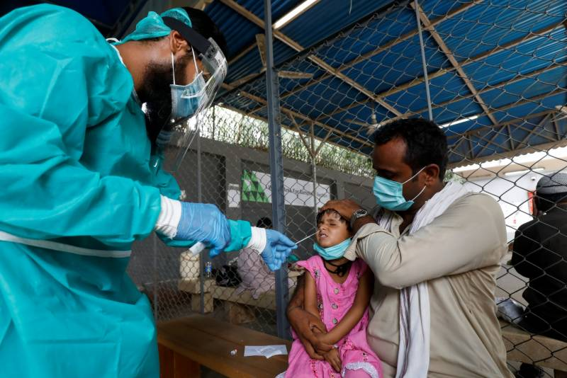 Pakistan records slight uptick in COVID cases with around 2,000 new infections