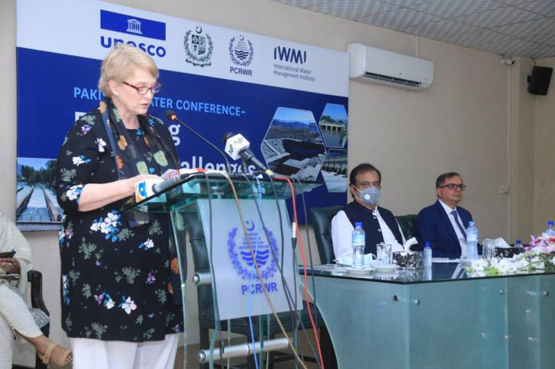 Experts list solutions for Pakistan's water problems, want research turned into action