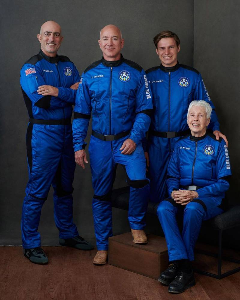 'Best day ever': World's richest man takes a trip to the edge of space (VIDEO)