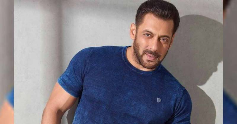 Does Salman Khan have a wife and 17-year-old daughter in Dubai?
