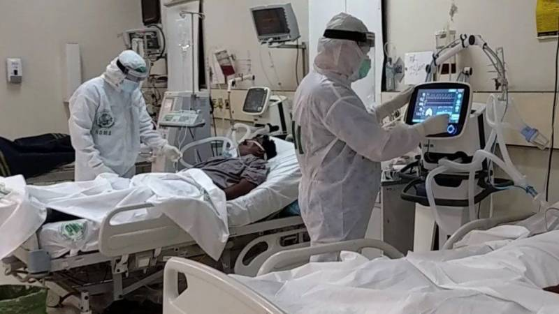 Pakistan crosses 23,000 COVID deaths; national positivity rate hits 6.32pc