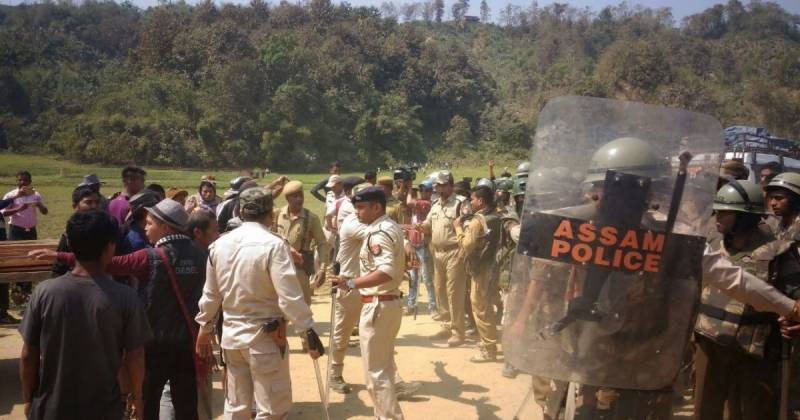 Five killed after policemen open fire at each other in India