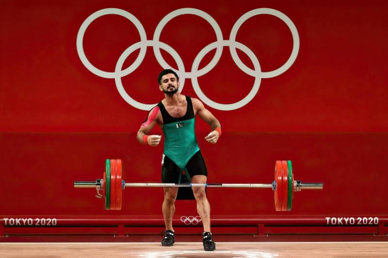 Pakistani weightlifter misses medal at Tokyo Olympics, but wins hearts