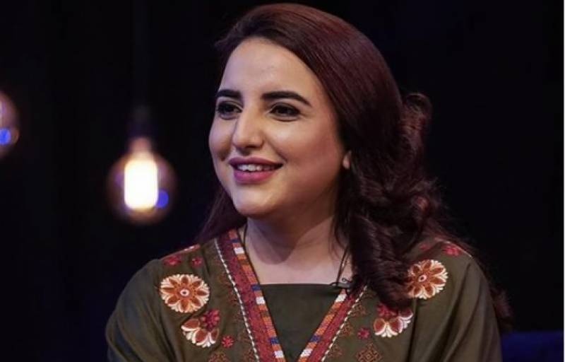 Hareem Shah sets internet on fire with new swimming pool videos