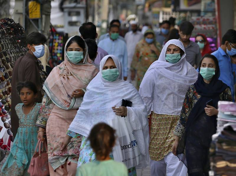 Pakistan reports 4,858 new cases, 40 deaths amid Covid-19 surge