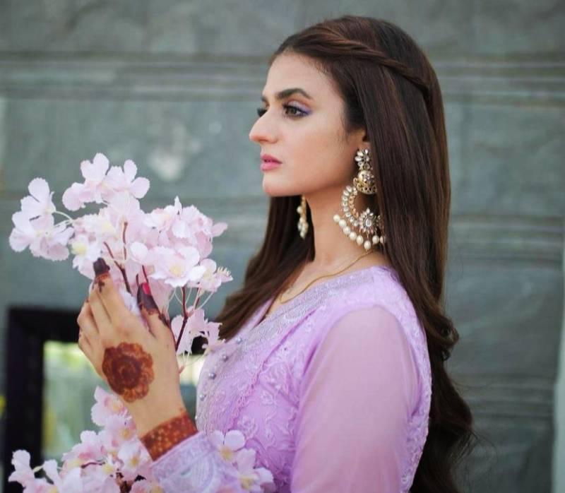 Hira Mani channels Kareena Kapoor in latest video