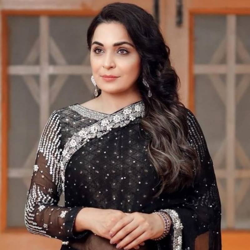 Film star Meera's message for men after attack on Lahore TikTok girl goes viral