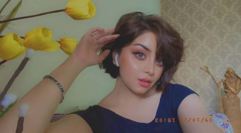 Alizeh Shah looks beautiful in new video as she makes faces, plays with her hair