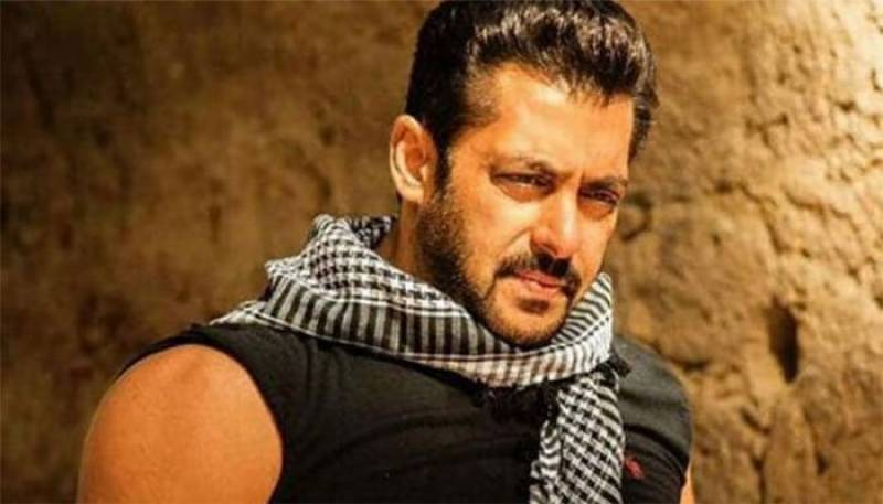 Watch: Salman Khan shakes a leg with fans in Turkey