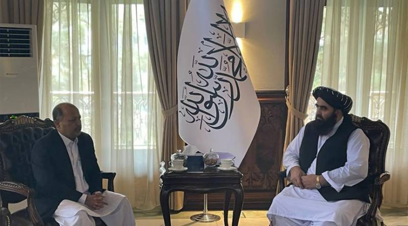Pakistani ambassador, Afghan Foreign Minister discuss bilateral cooperation