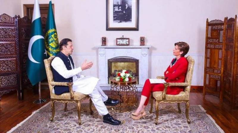 PM Imran shares what kind of Pak-US relations he looks for (VIDEO)