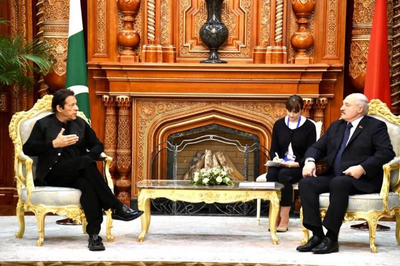 SCO summit — PM Imran meets Kazakh, Belarus presidents in Dushanbe