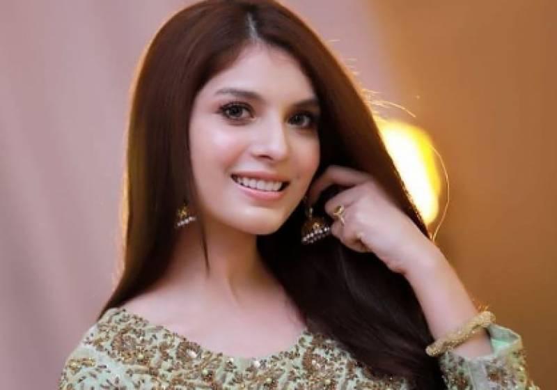 Saeeda Imtiaz's new bold photos draw severe public criticism