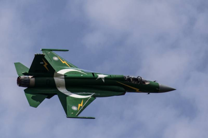 Iraq plans to buy 12 JF-17 Thunder jets from Pakistan: reports