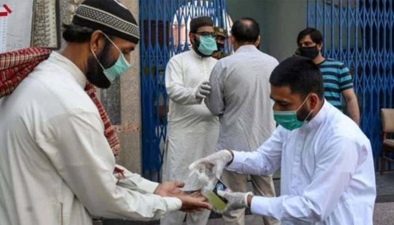 Pakistan reports 689 new COVID cases, lowest in nearly four months