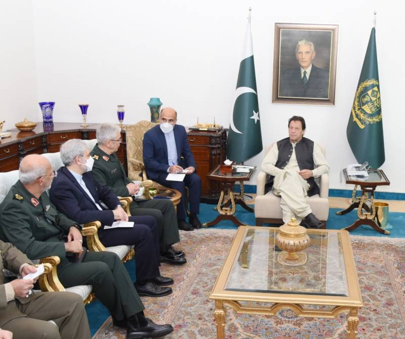 PM Imran vows to enhance trade ties with Iran