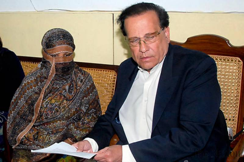 Governor Salmaan Taseer with blasphemy accused Asia Bibi.