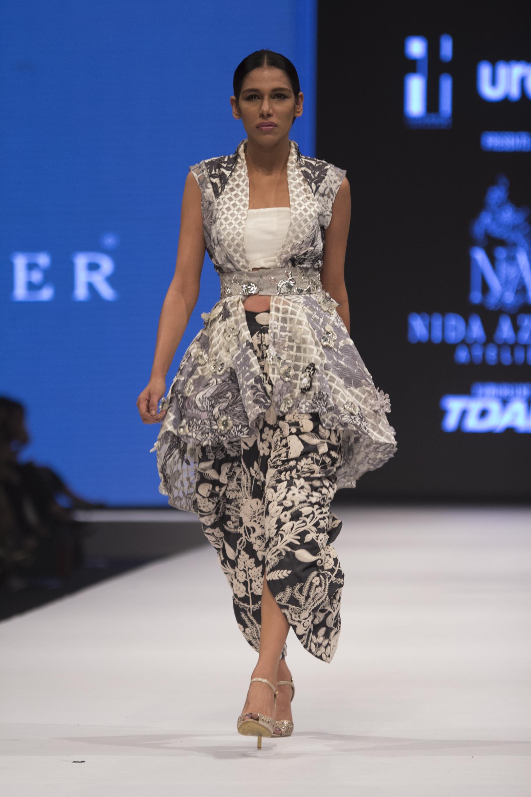 Nida Azwer (81)