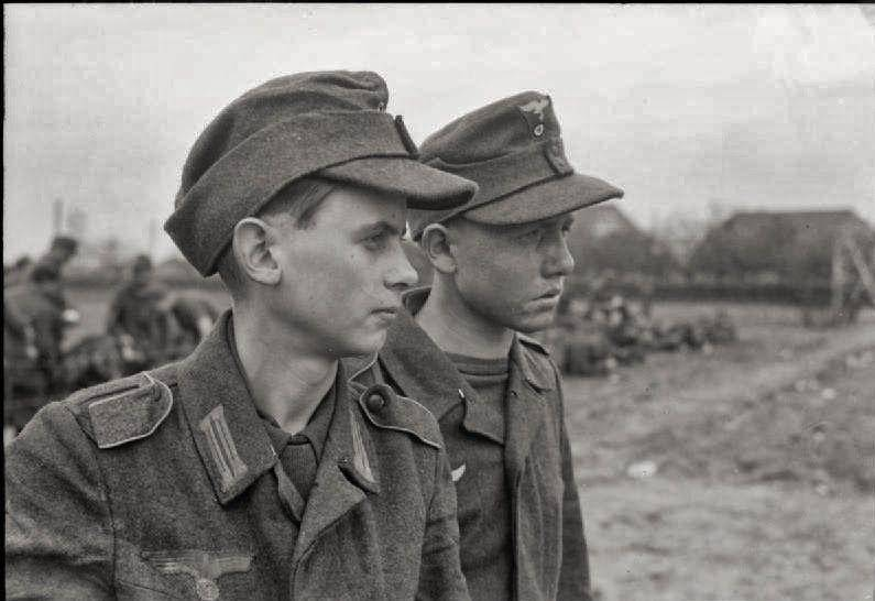 teenage-soldiers-of-nazi-germany-after-surrendering-photo-u1