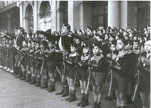 young-italian-blackshirts-1939-photo-u1