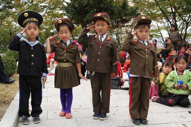 north-korean-children-in-military-uniforms-photo-u1