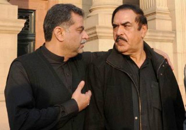 Inamullah Niazi (r) with Punjab Auqaf and Religious Affairs Minister Syed Zaeem Hussain Qadri.